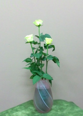岩田ガラスシリーズ【57】横縞でピンクの花瓶02