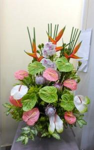 お供え【トロピカルフラワーの花かご】