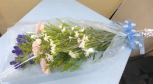 お盆のお供え【リンドウとカーネーションの花束】