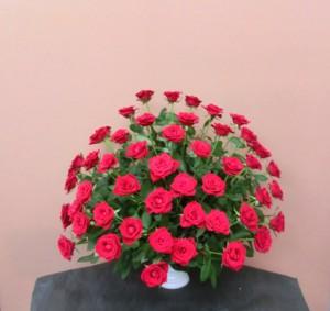 還暦御祝のアレンジメント60本の赤バラ