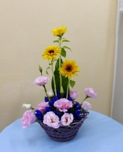 【アレンジメント】紫の器とゴッホヒマワリのアレンジメント