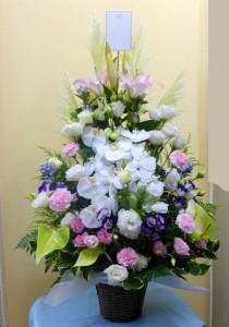 【かご花】偲ぶ会のお供え