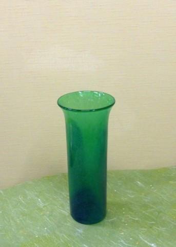 岩田ガラスシリーズ【84】グリーンの花瓶にグリーンのヒマワリ、テマリソウとショウブの葉をそえて02