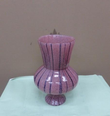 薄紫に黒い線の入った 花器