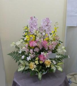 春のお花でペットのお供え