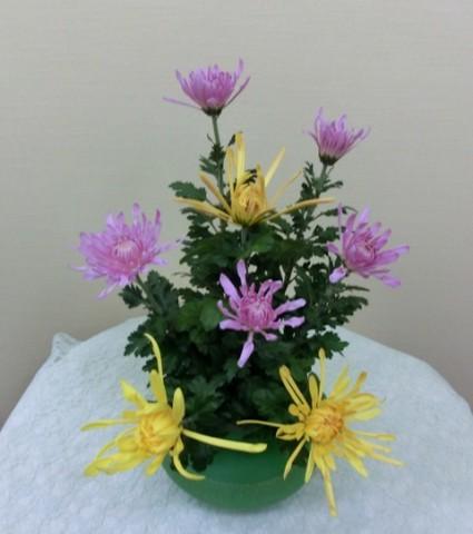 岩田ガラス【36】緑色のカエルみたいな(!?)花瓶02