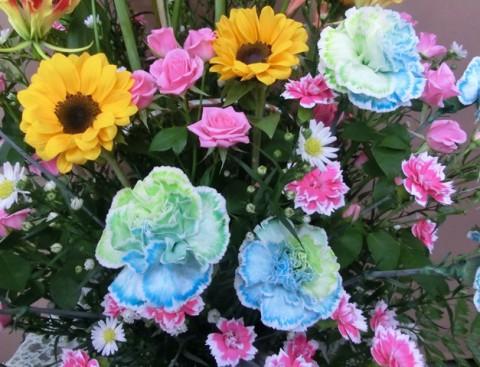 【アレンジメント】引っ越しのお祝いに色とりどりのお花をプレゼント♪02