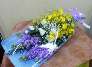 【花束】お悔みの花束(いろんな花)02