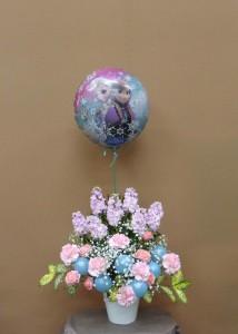 アナと雪の女王と春の花